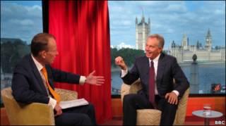 Эндрю Марр интервьюирует Тони Блэра в студии Би-би-си