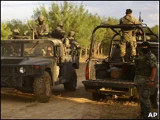 Militares fazem patrulha em Tamaulipas