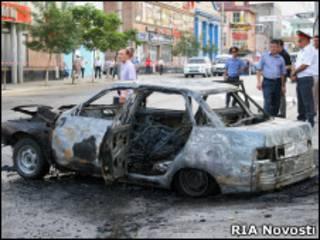 Взорванный автомобиль в Махачкале