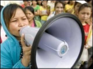 ကမ္ဘောဒီးယား အလုပ်သမားများ ဆန္ဒပြ