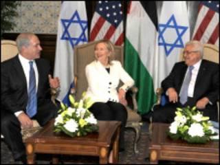 Benjamin Netanyahu, Hillary Clinton e Mahmoud Abbas