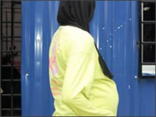 حاملہ خاتون فائل فوٹو