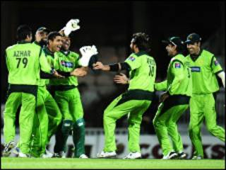 मैच में पाकिस्तानी खिलाड़ी