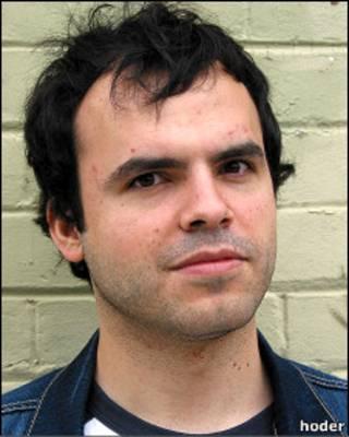 حسین درخشان، وبلاگ نویس ایرانی