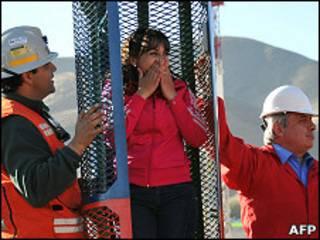 Каролина Лобос в спасательной капсуле