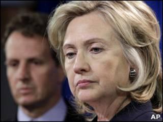 Госсекретарь США Хиллари Клинтон и министр финансов США Тимоти Гайтнер
