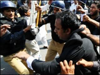 فائل فوٹو، وکلاء کا احتجاج