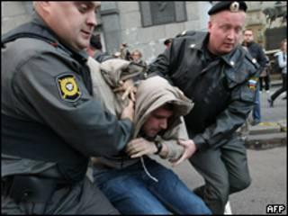 """Московская милиция задерживает участника """"Дня гнева"""" в сентябре"""