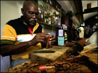 cigar shop in Havana