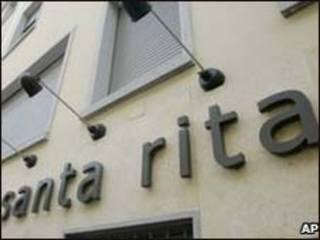 Fachada da clínica Santa Rita em Milão/AP