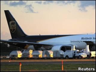 Самолет курьерской службы UPS