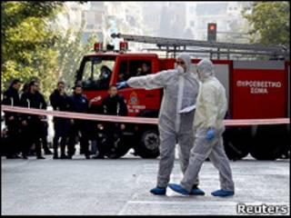 Policiais gregos investigam ameaça de bomba