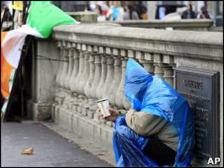 É cada vez mais provável que a Irlanda receba uma ajuda financeira da UE e do FMI.
