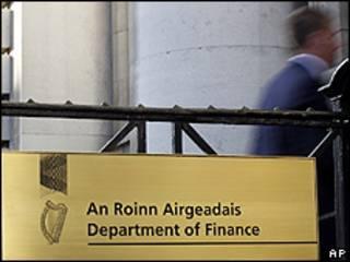 Departamento de Finanças da Irlanda, em Dublin (AP)