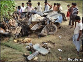 Подорванный автомобиль в Бихаре