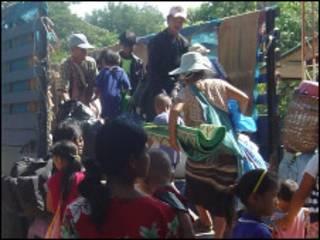 ကရင်ဒုက္ခသည်များ ထိုင်းဘက်ရောက်