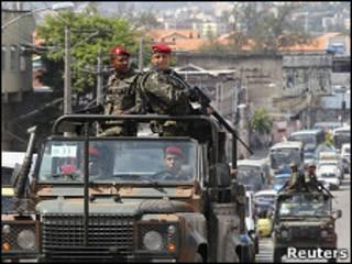 Soldados patrulham Complexo do Alemão