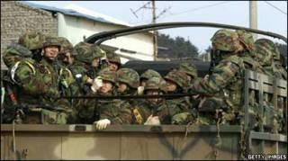 південнокорейські десантники на навчаннях