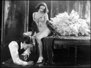 آنا فریل در نقش لولو - عکس آرشیوی از تئاتر وست اند در لندن