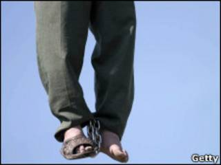 شخص اعدم شنقا في ايران - ارشيف