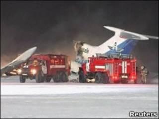 Авария самолета в аэропорту Сургута