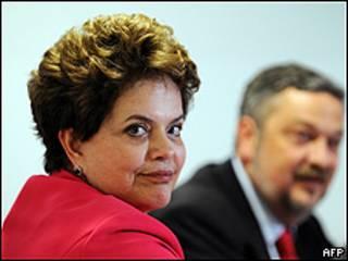 """A presidente disse que Brasil e Argentina """"sofrem, como todos os emergentes"""", as conseqüências da política de desvalorização cambial praticada pelas duas maiores economias do mundo – Estados Unidos e China."""