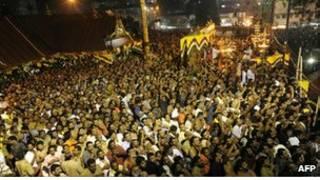Une foule composée de pélerins dans le sud de l'Inde