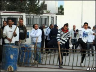 Добровольные дружины в Тунисе