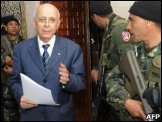 Thủ tuớng Mohamed Ghannouchi hứa sẽ rời chính truờng sau bầu cử