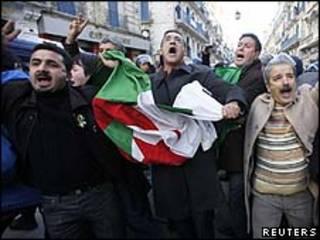 Manifestação na Argélia/Reuters