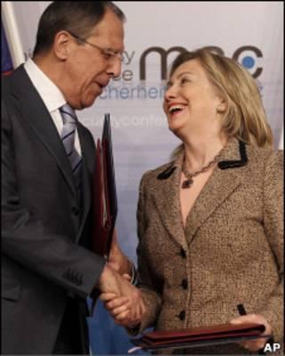 Лавров и Клинтон на церемонии в Мюнхене
