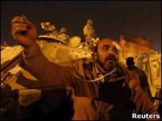 Manifestante na Praça Tahrir