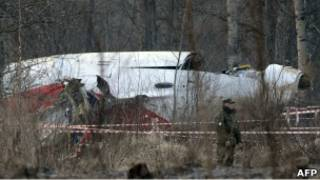 Обломки самолета президента Польши