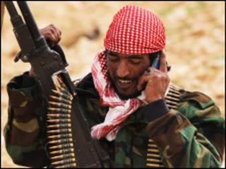 Combatente rebelde em Ben Jawat