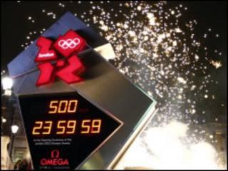 Relógio olímpico inaugurado em Trafalgar Square, que fará contagem regressiva para os jogos, que terão início em julho de 2011