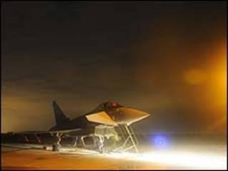 Avião britânico/ Ministério da Defesa da Grã-Bretanha/distribuição: Reuters