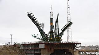 """Ракета-носитель """"Союз"""" на стартовой площадке"""