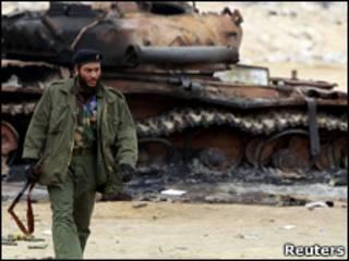 Rebelde líbio (Foto: Reuters)