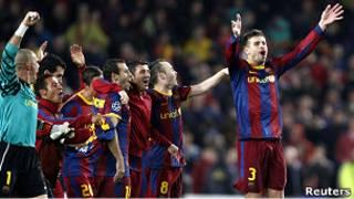 """Футболисты """"Барселоны"""" празднуют успех"""