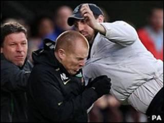Ataque contra o treinador do Celtic, Neil Lennon (PA)