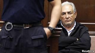 Dominique Strauss-Khan em tribunal em Nova York (Foto: Reuters)