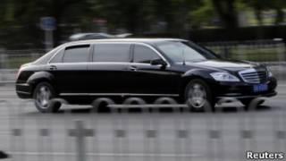 Черный лимузин