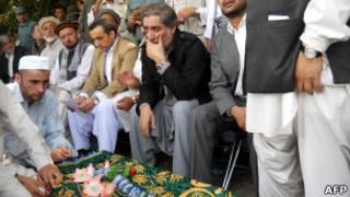 مراسم خاکسپاری مقامات امنیتی پس از حادثه تخار