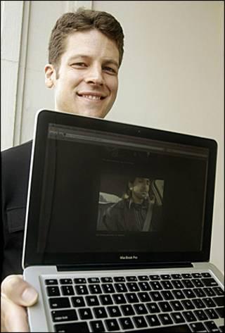 Джошуа Кауфман со своим компьютером
