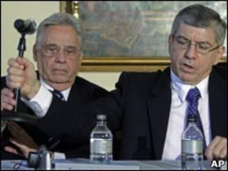 FHC e o ex-presidente colombiano, Cesar Gaviria, em NY nesta quinta-feira (AP)