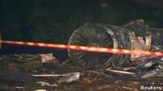 Pedaço de avião que caiu em Petrozavodsk