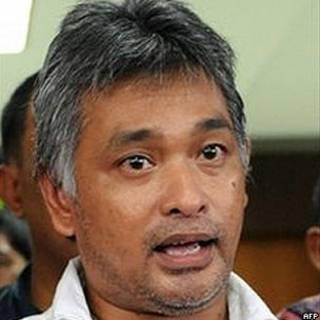 Erwin Arnada antes de entrar na prisão em Jacarta, em 2010 (AFP)