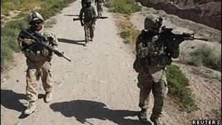 Soldados americanos e canadenses durante missão em candahar, Afeganistão (Reuters)