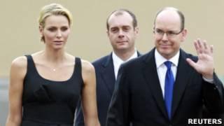Charlene e o príncipe Albert II, em Mônaco, em foto de 23 de junho de 2011(Reuters)