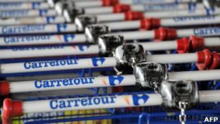 Carrinhos do Carrefour (Foto: AFP)